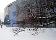 Helsinki City Library, Viikki / The Korona building in the winter time / Photograph by Eero Roine, 2008